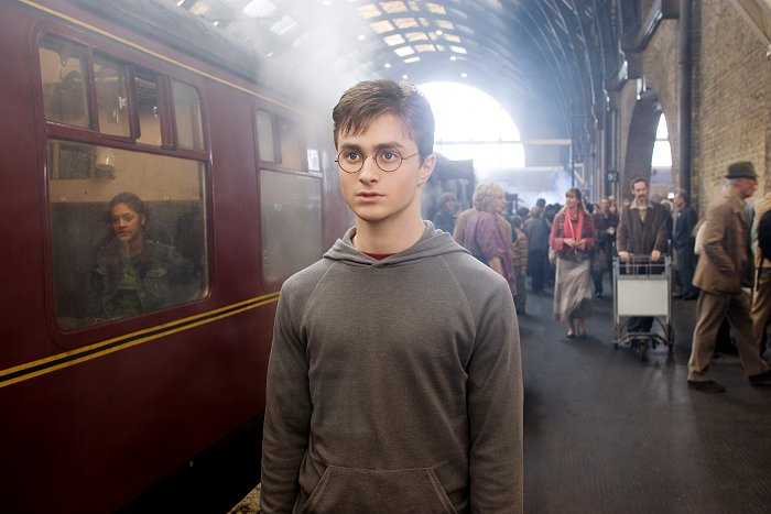 http://movies.radiofree.com/photos/2007/harry_potter_and_the_order_of_the_phoenix_10371.jpg